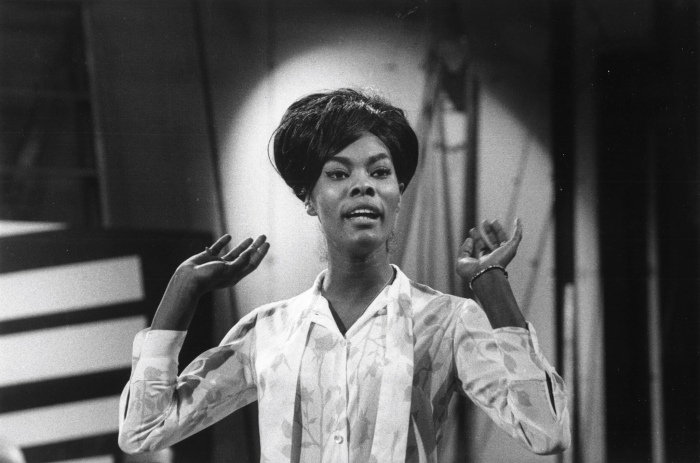 Dionne Warwick: Give Our Legends TheirFlowers.